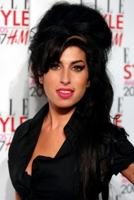 Amy Winehouse Au Top Image Article Ajust