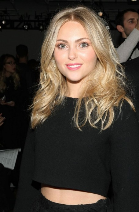 Annasophia Robb At Houghton Fashion Show In Nyc