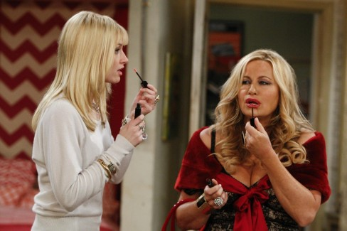 Picture Of Jennifer Coolidge And Beth Behrs In Broke Girls Large Picture American Pie