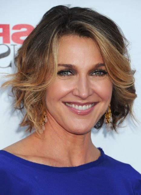Brenda Strong Short Ombre Bob Hairstyle For Women Over