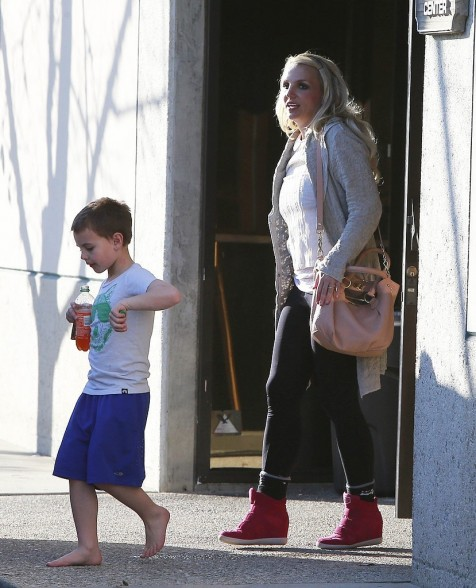 Britney Spears Mom Take Kids Playground Pictures Kids