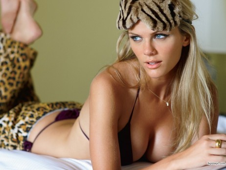 Brooklyn Decker Sexy