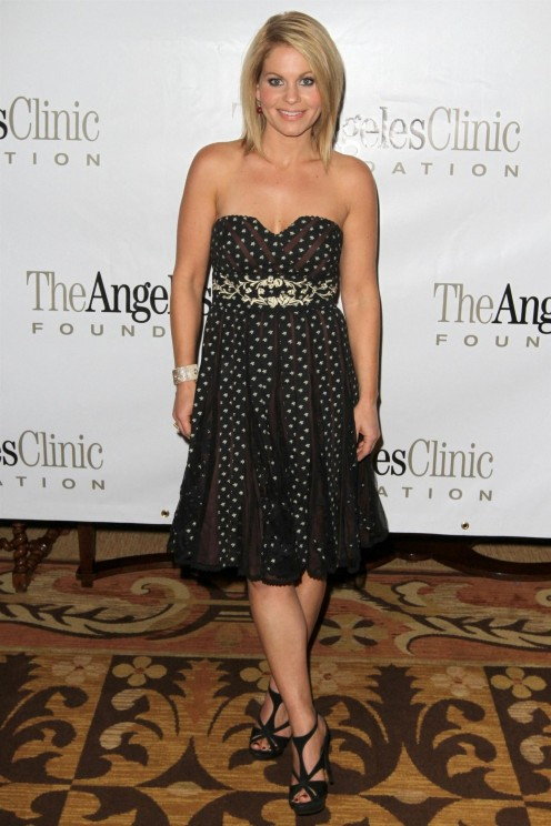 Home For The Holidays To Benefit The Angeles Clinic Foundation Candace Cameron Bure Sexy