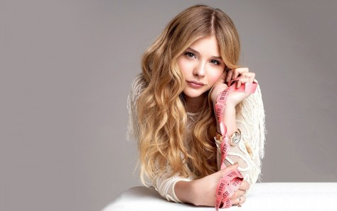 Cute Chloe Moretz Celebrity Hd Wallpaper Beach