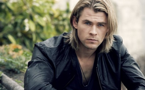 Chris Hemsworth Hot