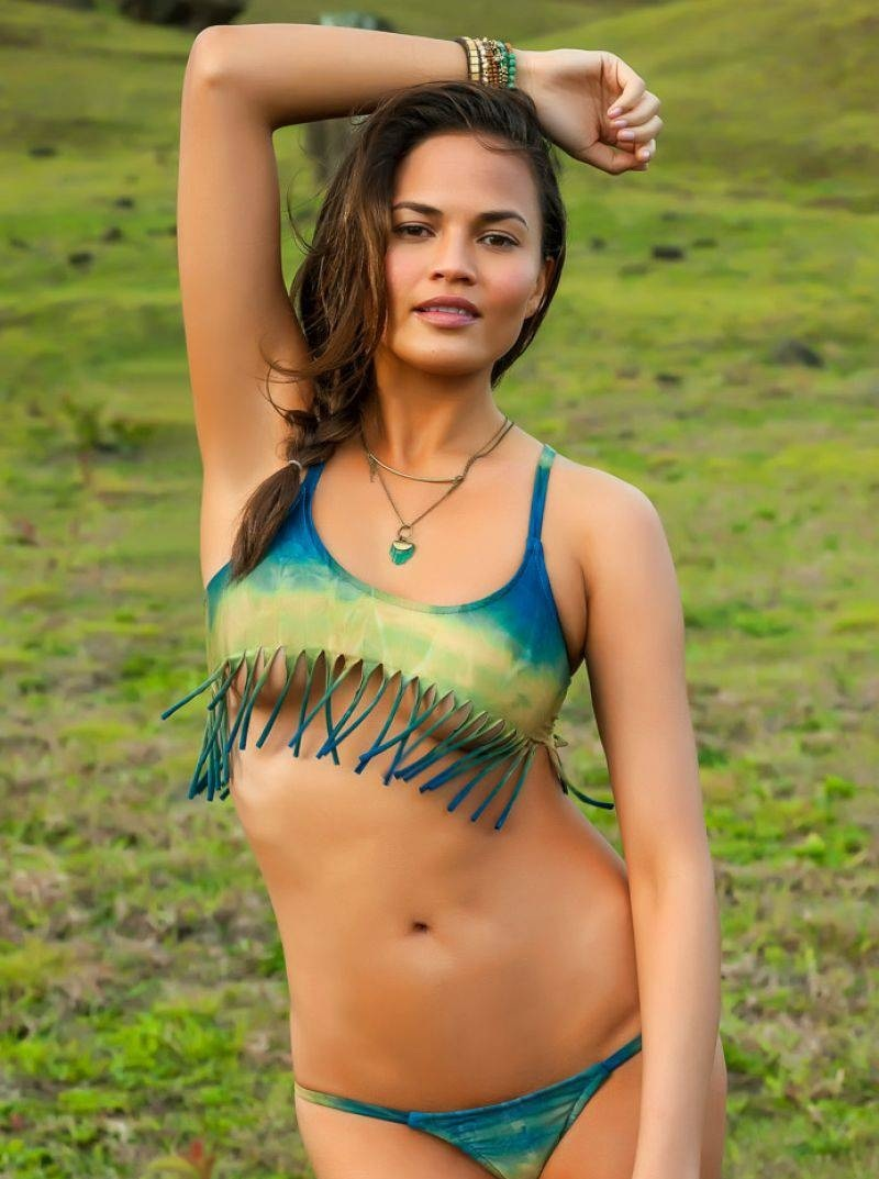 Chrissy Teigen In Sports Illustrated Swimsuit Winter Issue
