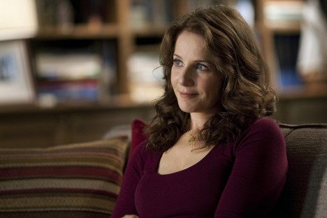 Picture Of Debra Winger In In Treatment Large Picture