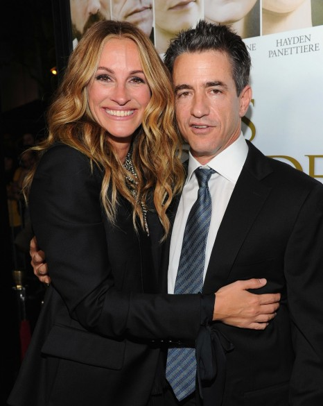Julia Roberts Posed Dermot Mulroney October Premiere