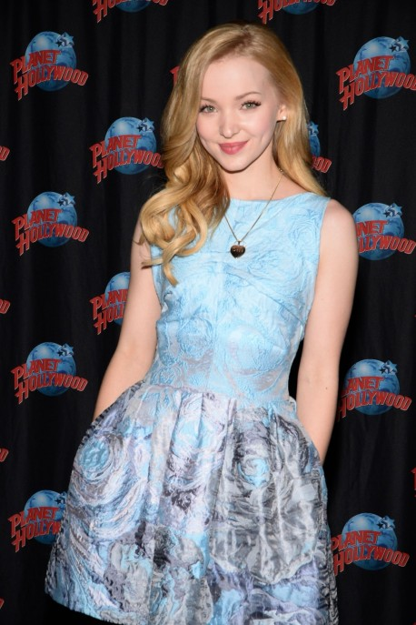 Dove Cameron At Planet Hollywood Times Square In New York Shameless