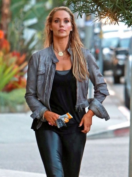 Elizabeth Berkley In Leather Pants Out And About In West Hollywood Young
