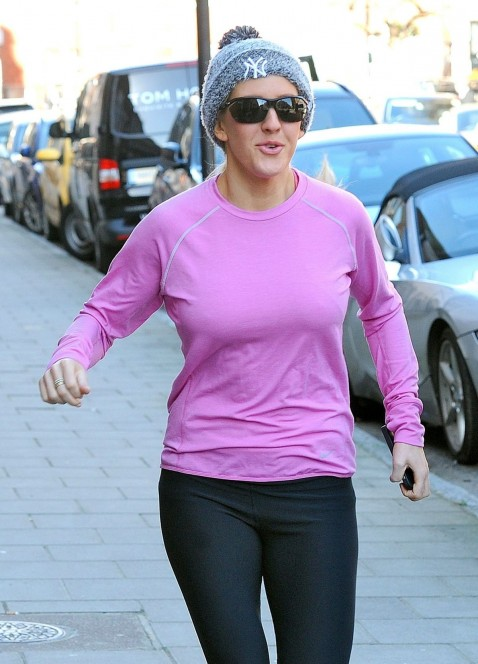 Ellie Goulding Work Out At Park In London Beach