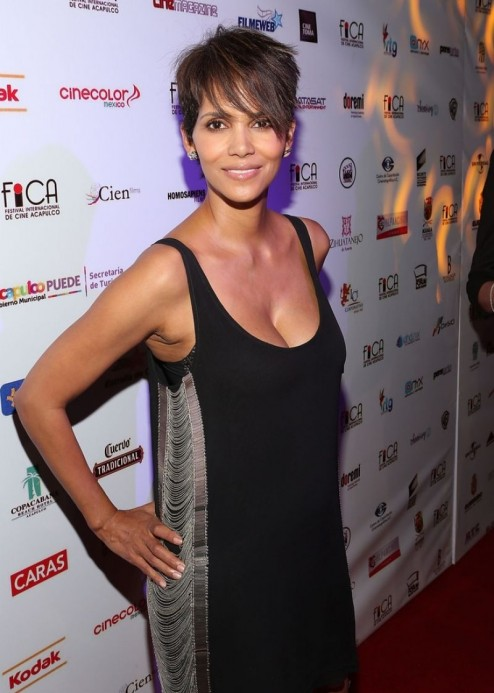 Halle Berry At Closing Of Th Annual Acapulco Film Festival In Mexico