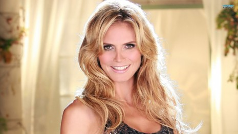 Heidi Klum Smile Wallpaper Background
