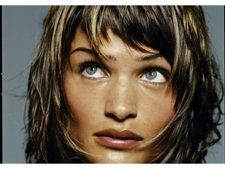 Helena Christensen Closeup Wallpaper