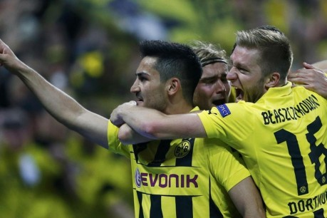 Ilkay Gundogan Borussia Dortmund Celebrate With Teammate Ilkay Gundogan Wallpaper