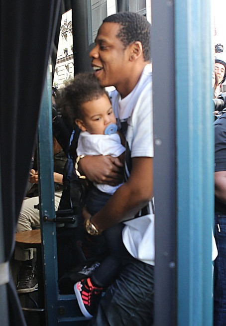 Jay Beyonce Jay Take Blue Ivy To Lunch Gallery Photo