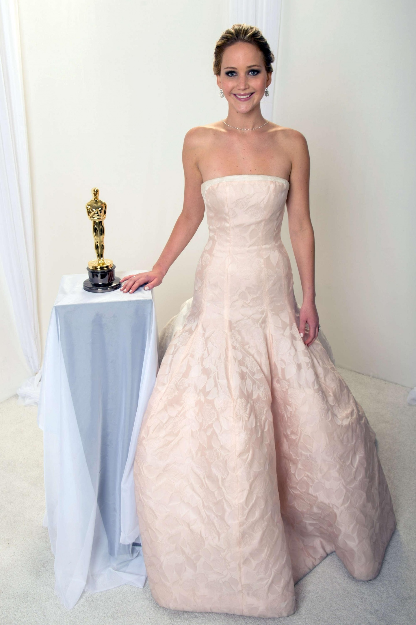 Jennifer Lawrence Oscar Photo