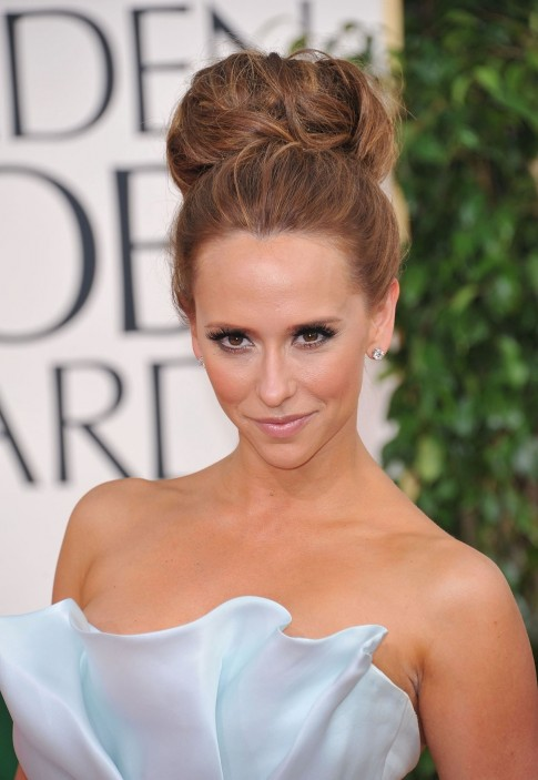 Jennifer Love Hewitt Bun Hairstyle Haircolor Name Pictures