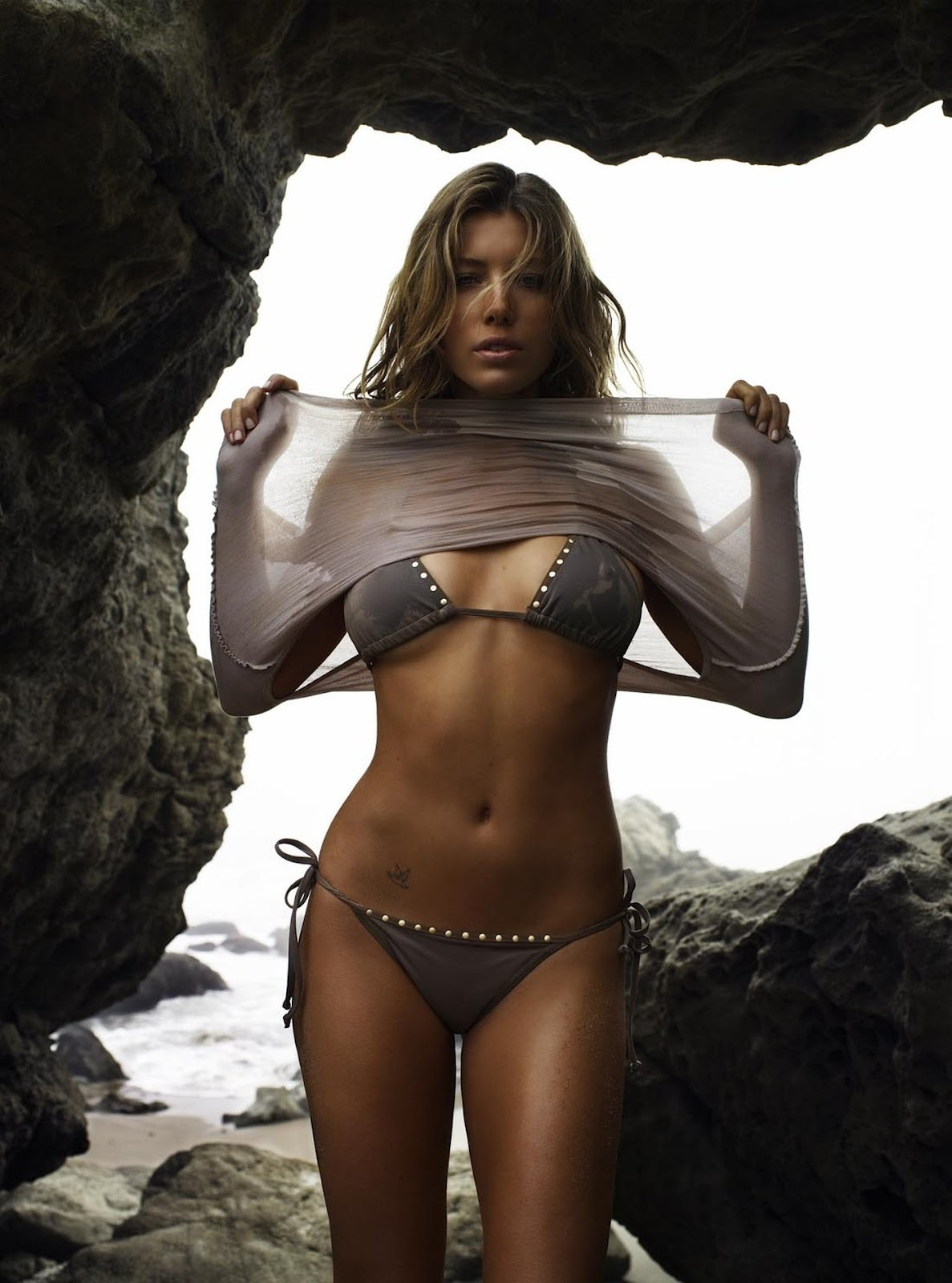 Jessica Biel Bikini Photoshoot For Gq Magazine Bikini