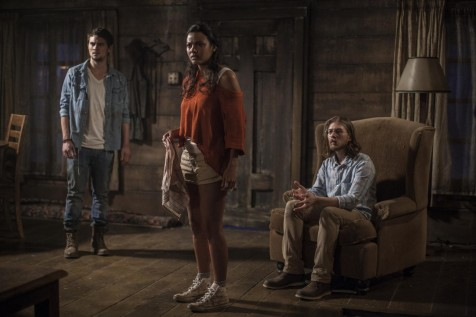 Picture Of Lou Taylor Pucci Jessica Lucas And Shiloh Fernandez In Cartea Mortilor Large Picture