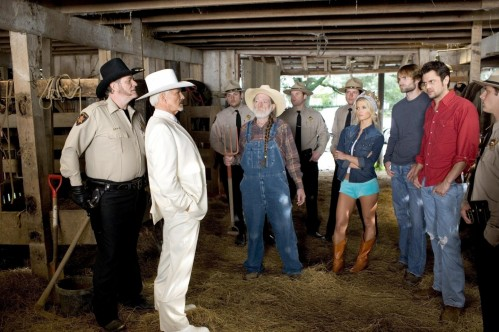 Still Of Willie Nelson Seann William Scott Jessica Simpson Mc Gainey And Johnny Knoxville In The Dukes Of Hazzard Dukes