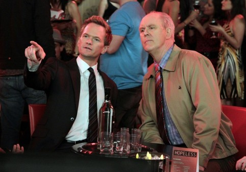 Picture Of Neil Patrick Harris And John Lithgow In How Met Your Mother Large Picture How Met Your Mother