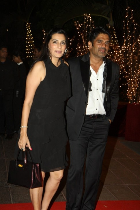 Vju Ho Iid Suneil Shetty With Wife Mana At The Th Birthday Party Of Karan Johar At Hotel Taj Lands End In Mumbai Wife