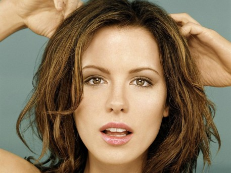 Kate Beckinsale Full Hd Wallpaper Body
