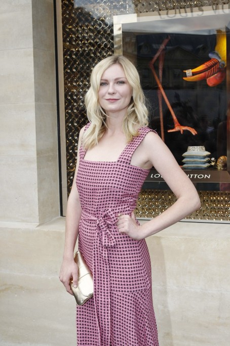 Kirsten Dunst Louisvuitton Boutique Opening Vettrinet Fashion