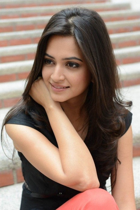 Actress Kriti Kharbanda Photo Shoot At Ongole Gitta Press Meet Tv