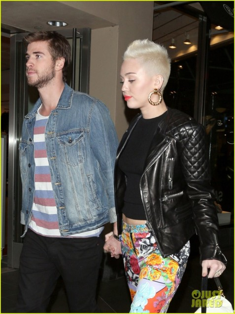 Miley Cyrus And Liam Hemsworth Full Sized Photo Of Miley Cyrus Liam Hemsworth Noah Cyrus Birthday Ycwecm And Miley Cyrus