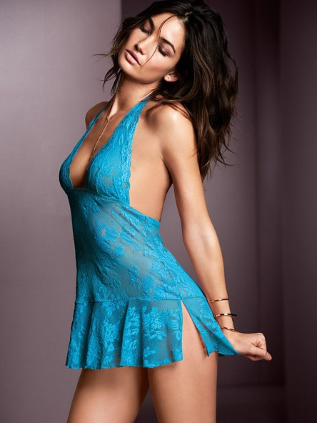 Lily Aldridge Vs Lingerie