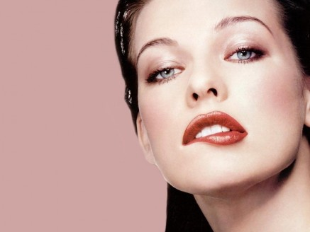 Milla Jovovich Hot Lips Hot
