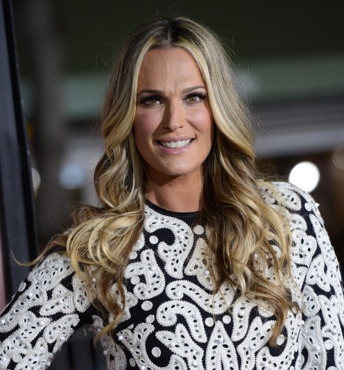 Molly Sims In Hoata De Identitate Large Picture
