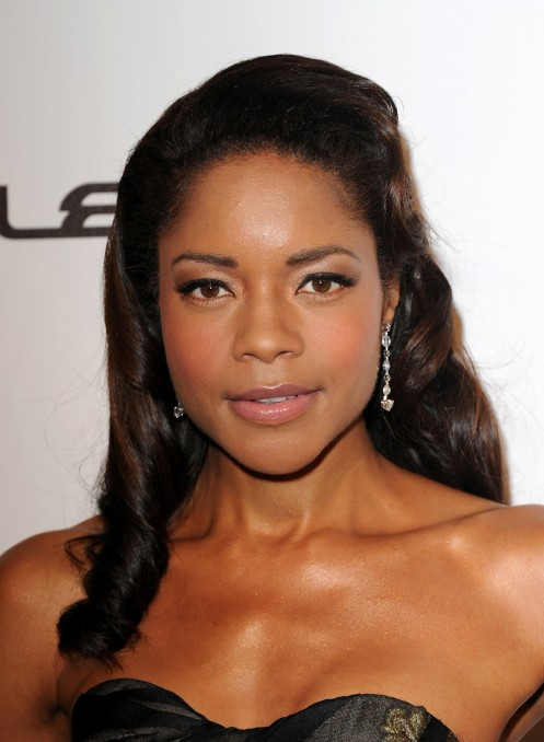 Naomie Harris Opted Classically Neutral Makeup Look
