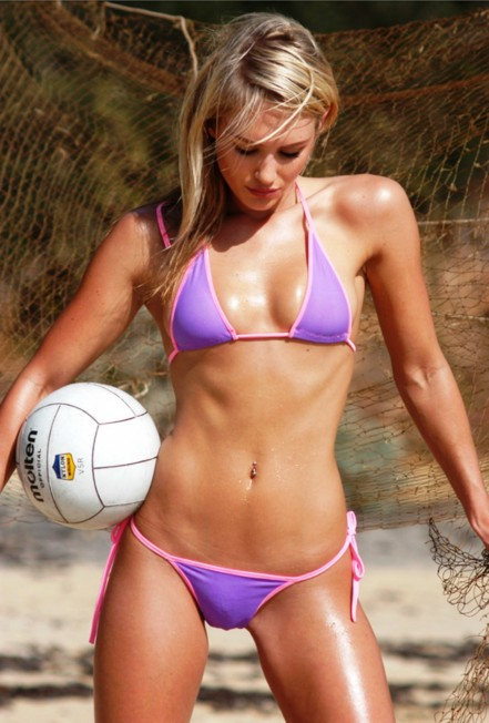 Nicky Whelan Abs