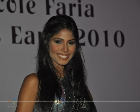 Celebs Grace Miss Earth Nicole Faria Welcome Bash At The Hasleen Kaur