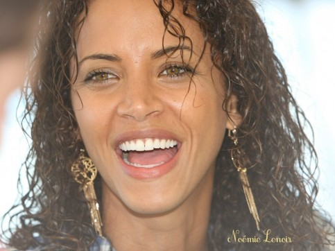 Wallpaper Of Noemie Lenoir