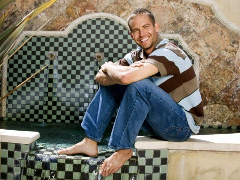 Men Male Celebrity Famous Actor From The Movie Furious Paul Walker Near The Pool Movies