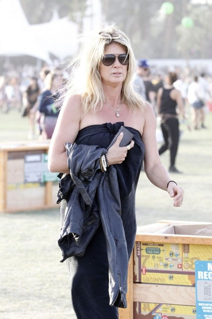 Rachel Hunter At Coachella Music And Arts Festival In Palm Springs