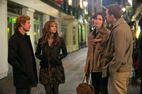 Still Of Simon Baker Rose Byrne Anna Faris And Rafe Spall In Primul An De Casnicie Large Picture