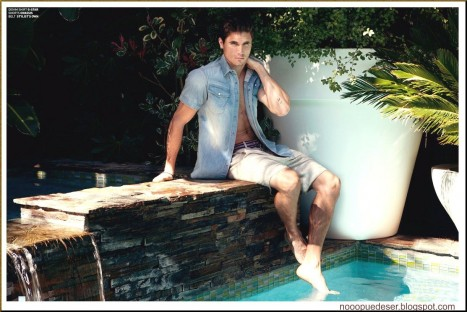 Robbie Amell Bello