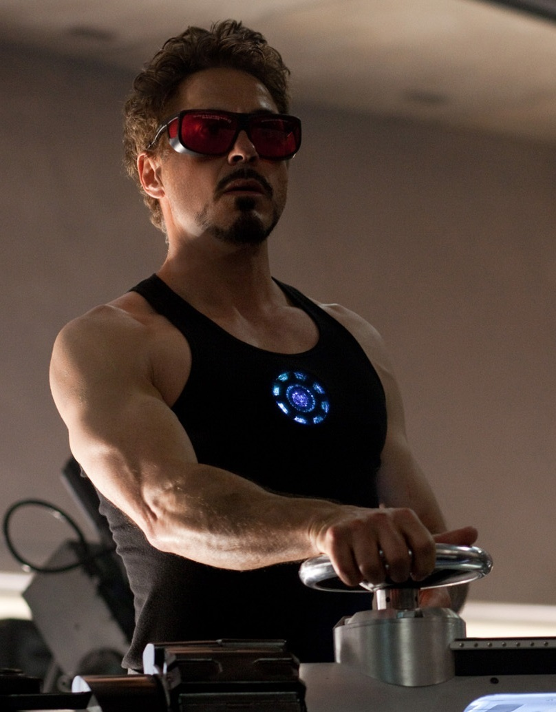 Robert Downey Jr Chest y Biceps Size cuerpo