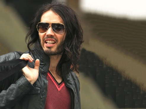 Famous American Actor Russell Brand Wallpaper