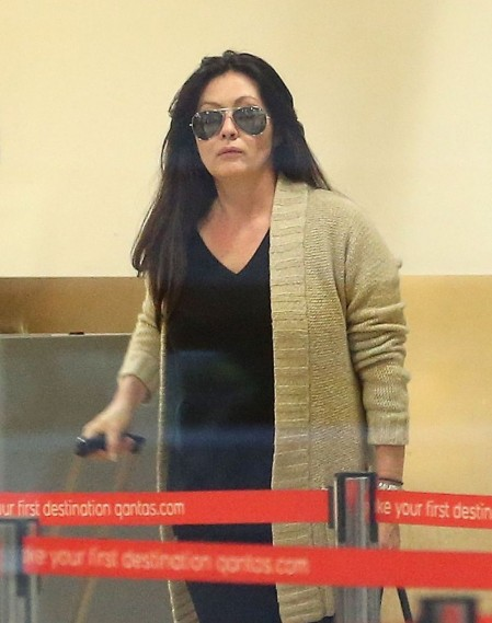 Holly Marie Combs And Shannen Doherty Arriving In Sydney