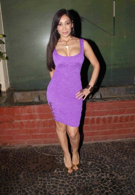 Sofia Hayat Hot Cleavage Masala Babe The Unforgettable