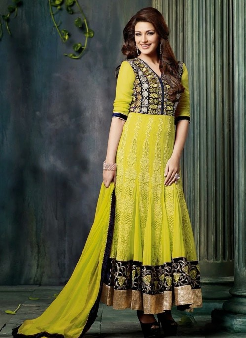 Gorgeous Sonali Bendre Green Anarkali Suit