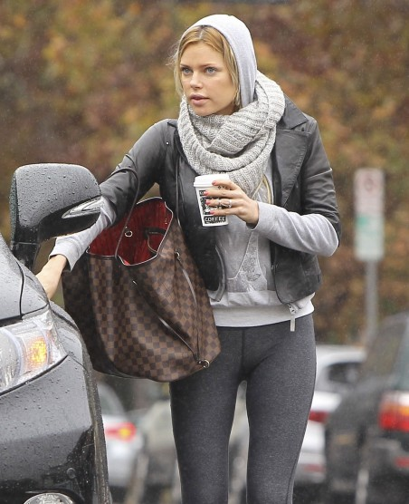 Sophie Monk In Tights At Kings Road Cafe In Studio City Hot