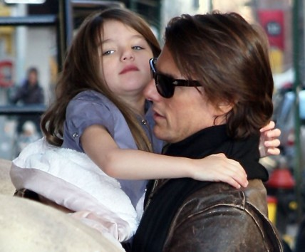 Suri Cruise And Her Father Tom Cruise New Photos And Tom