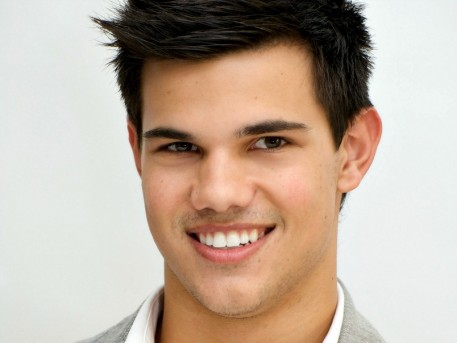 Taylor Lautner Hd Wallpaper